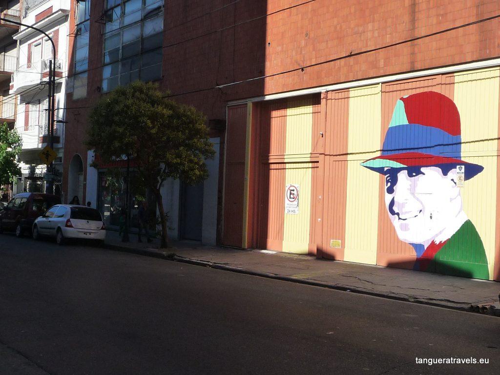 Carlos Gardel smiles, Buenos Aires