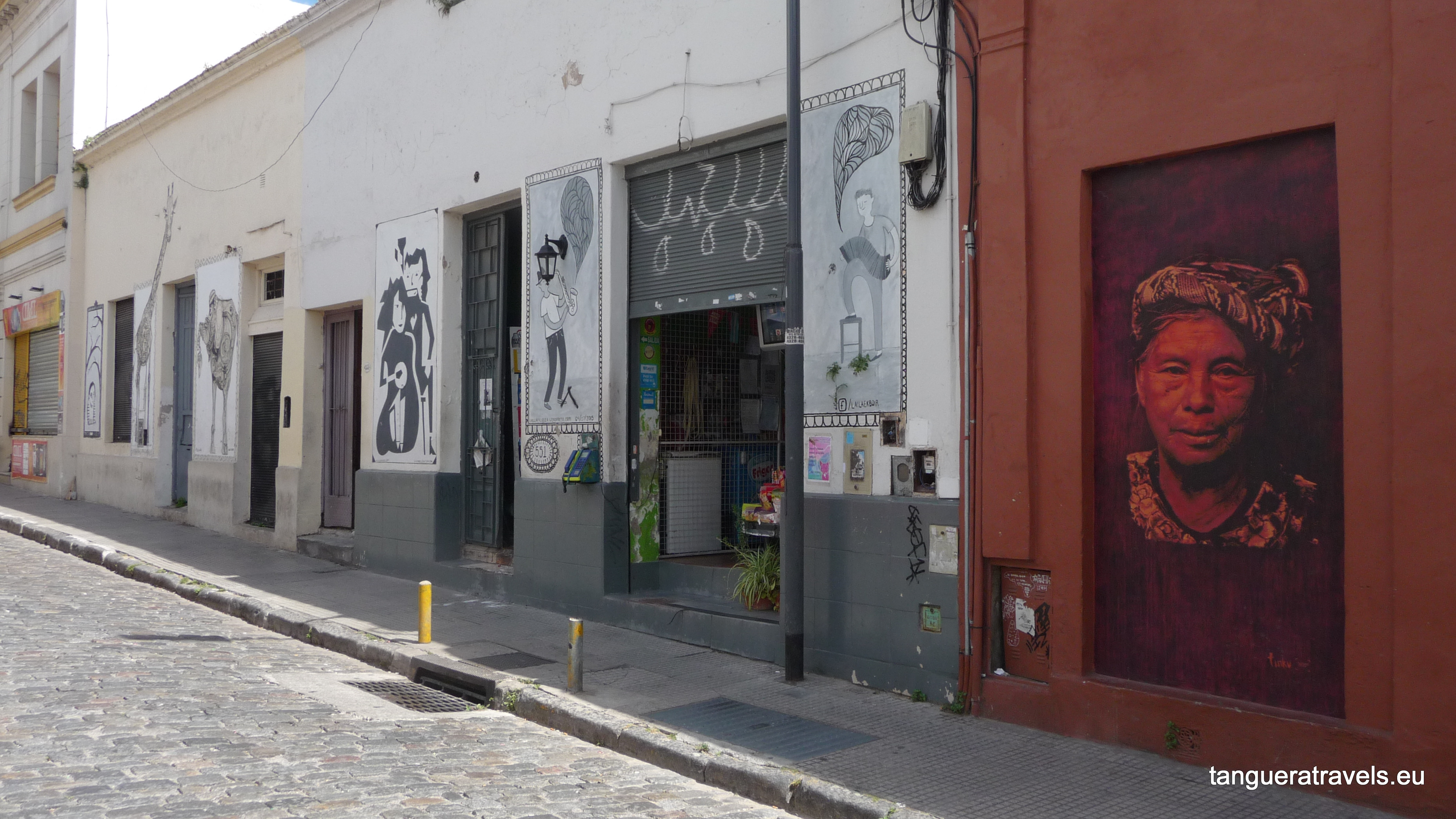 streets scene san telmo Buenos Aires