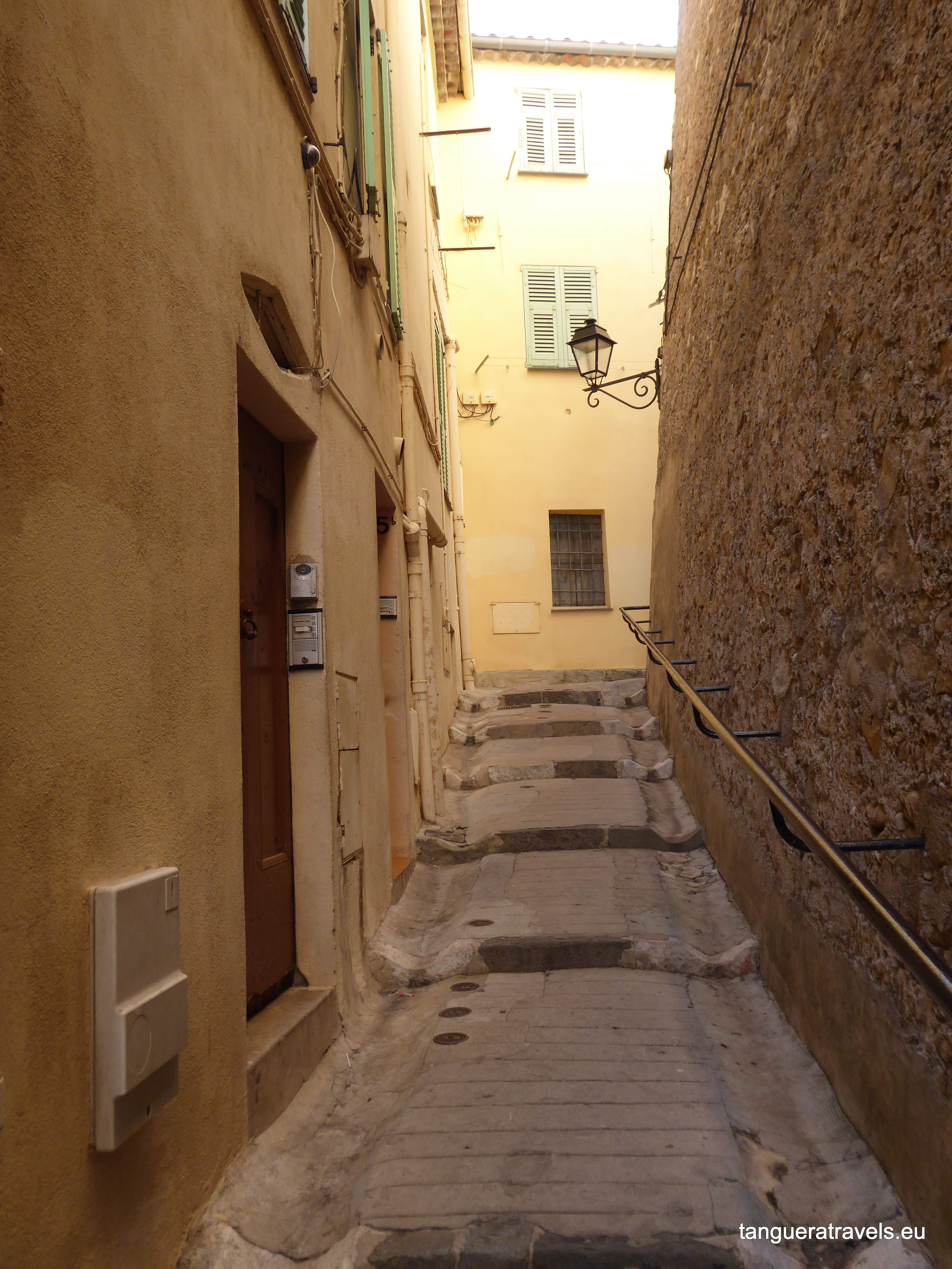 Menton old town, the walk up